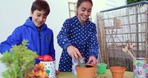 jardinar com crianças